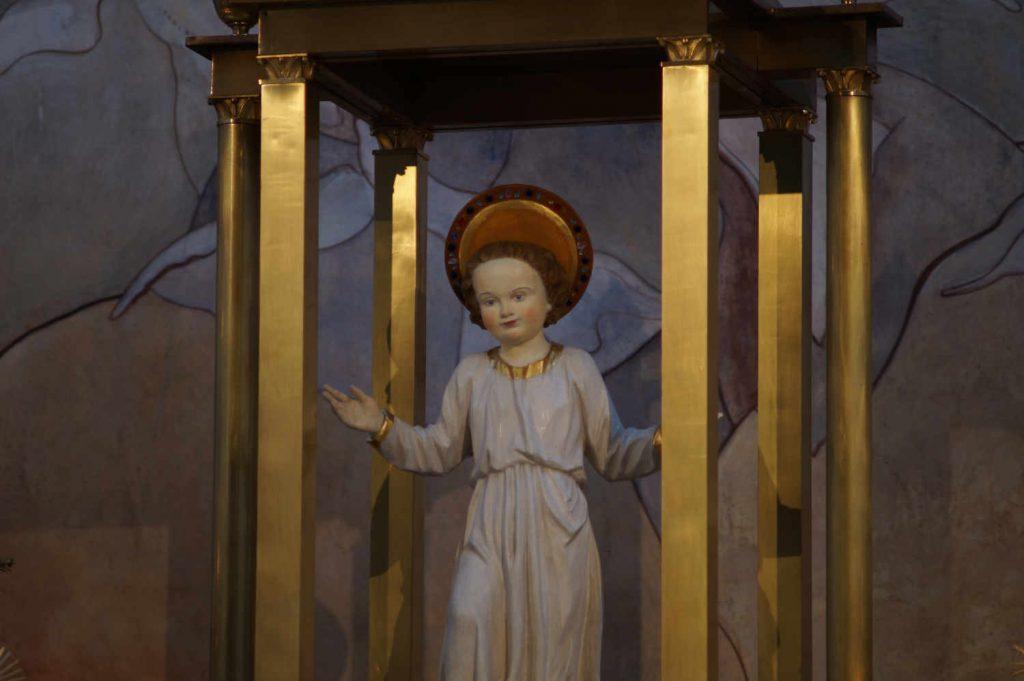 Jesuskind in der Herz-Jesu-Kirche Augsburg Lechhausen